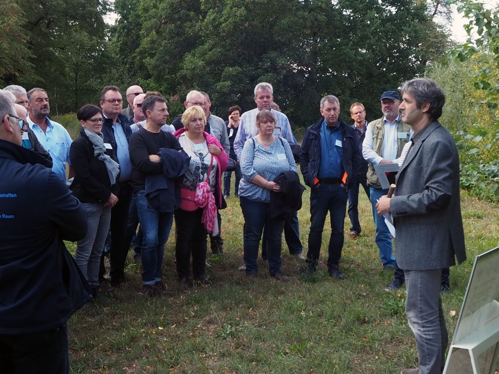 Dr.-Ing. Ralf Pecenka erläutert die Dynamik von Agroforstsystemen