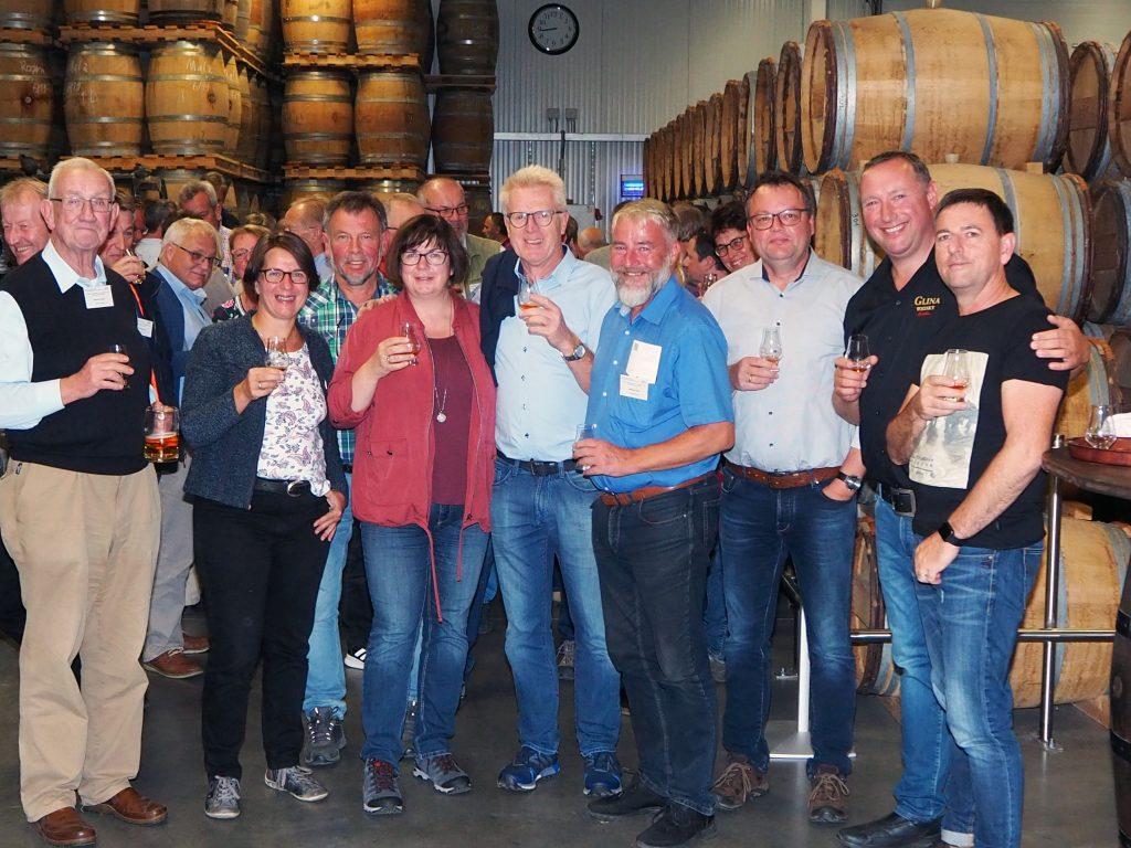 Verkostung einiger guter Tropfen Glina-Whisky vom Master-Distiller Michael Schultz (2.v.r.)